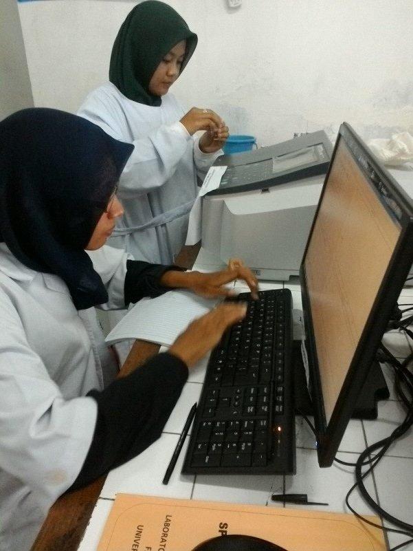 spektrofotometer uv-vis